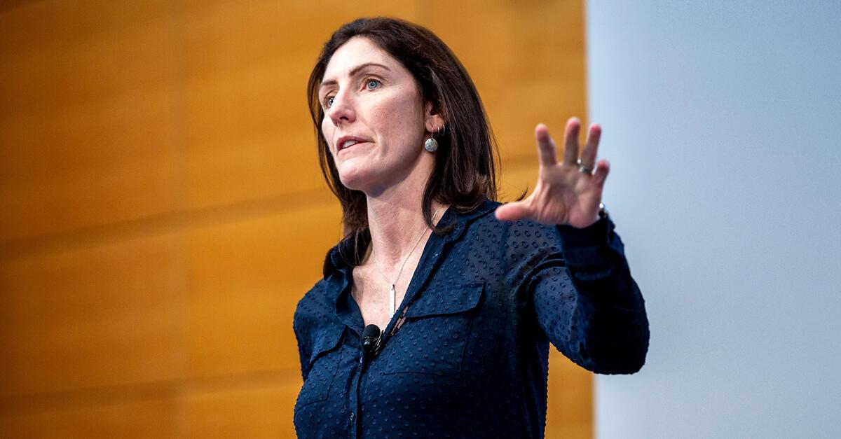 6 career hacks from Apple VP Kate Bergeron | MIT Sloan